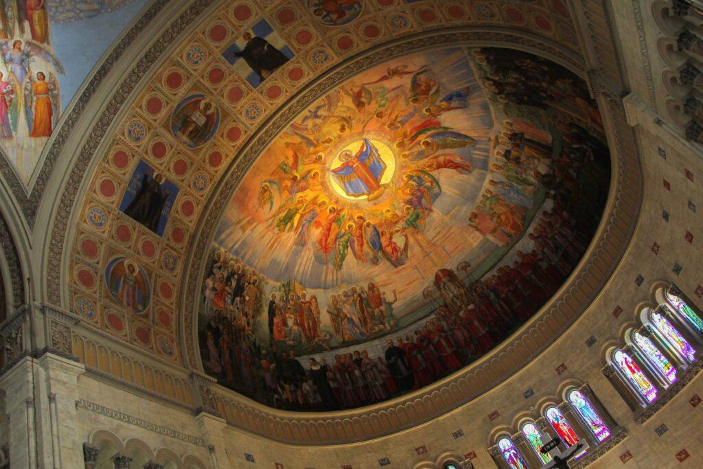 L'église Notre-Dame-de-la-Défense