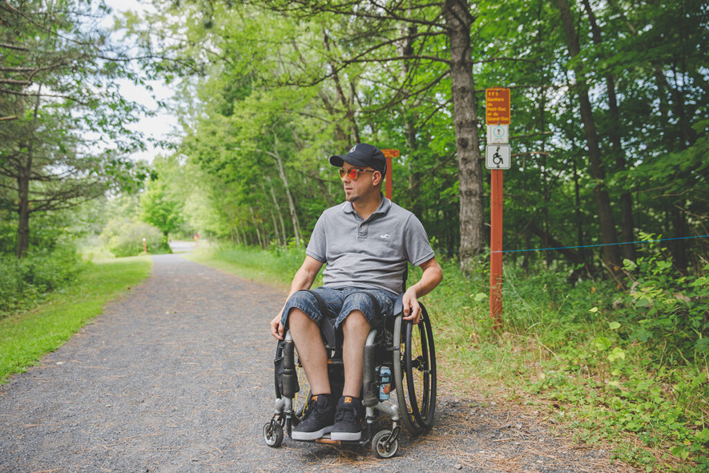 Un été au grand air avec les sentiers accessibles et partiellement accessibles du Québec